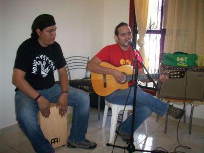 Nicaraguan Mother's Day with Moisés Gadea