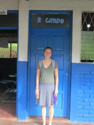 Emily at Escuela de la