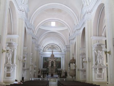 Inside the central cathedral of Leon.