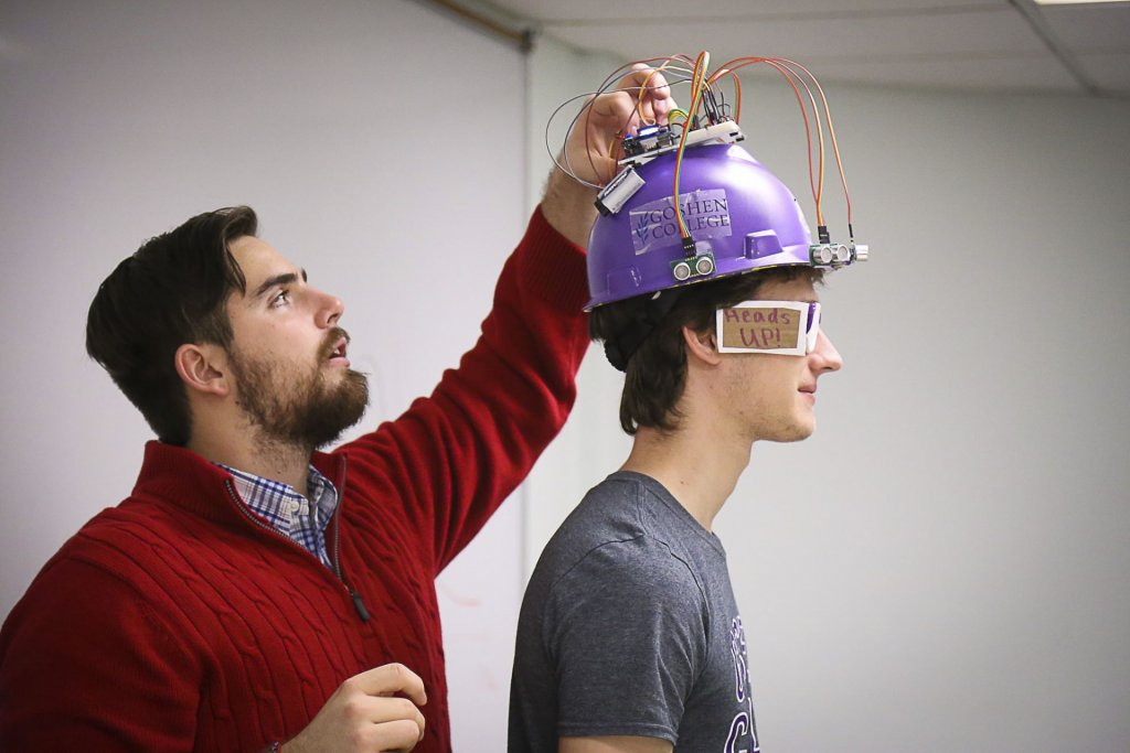 2015 Electronics Show: Students prepare hard-hat that senses nearby objects