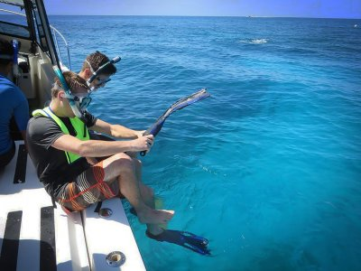 Goshen College students studying Marine Biology in the Florida Keys