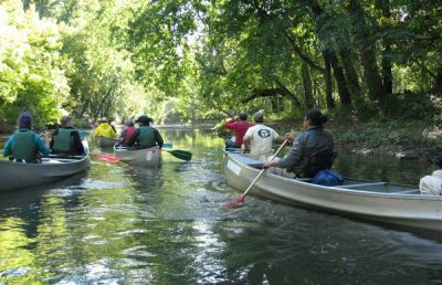 group_canoeing (600x450)