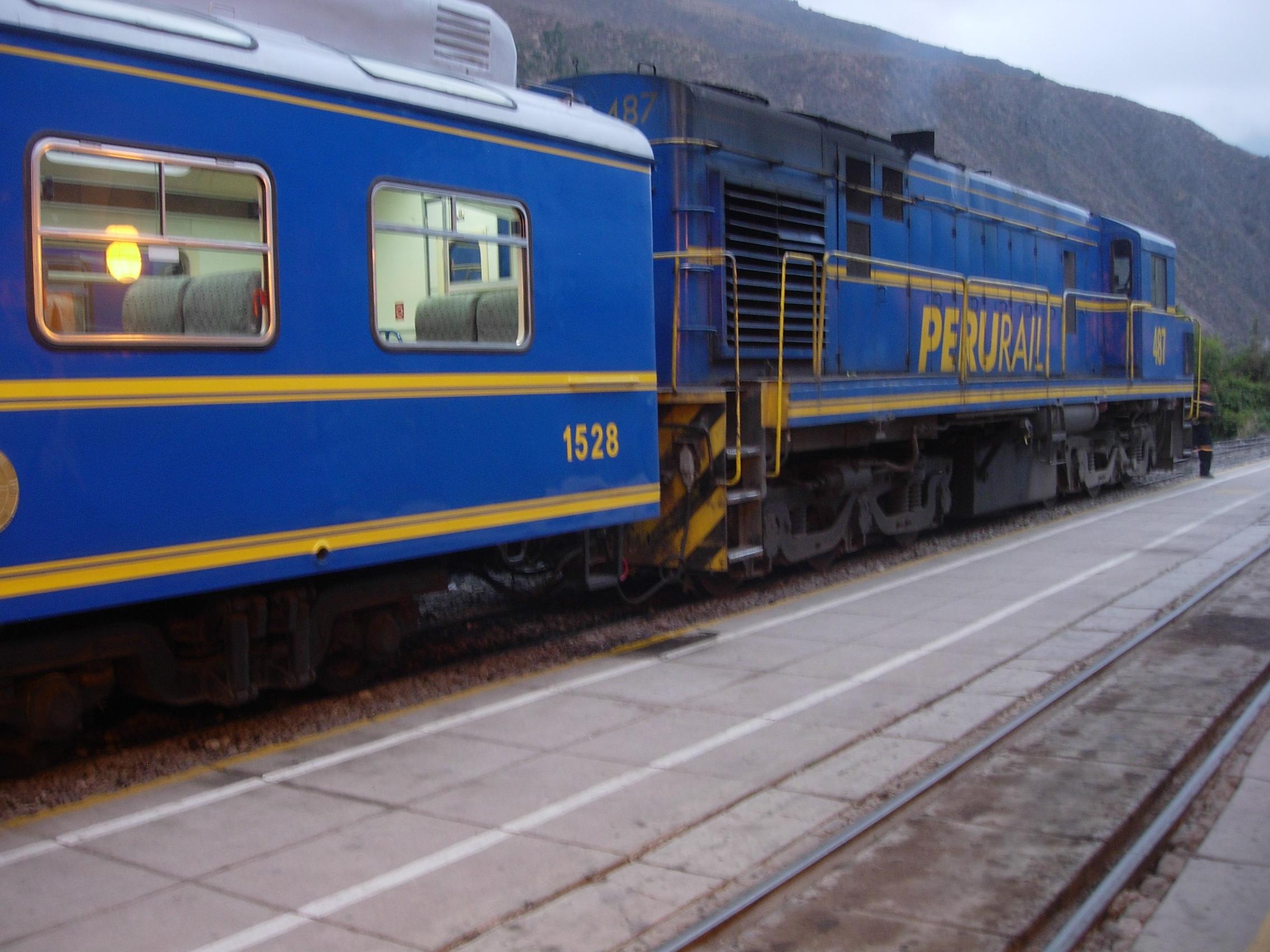 Train from Machu Picchu to Ollantaytambo