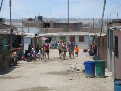 Distributing water in a Lima shantytown