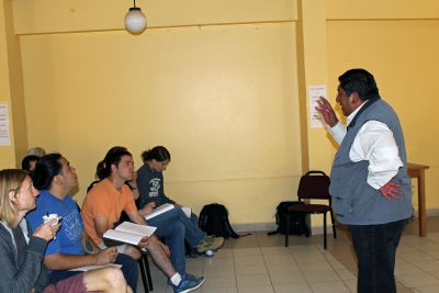 Juan Carlos Machicado Figueroa,  our lecturer on the Incas and Andean spirituality, addresses the students.