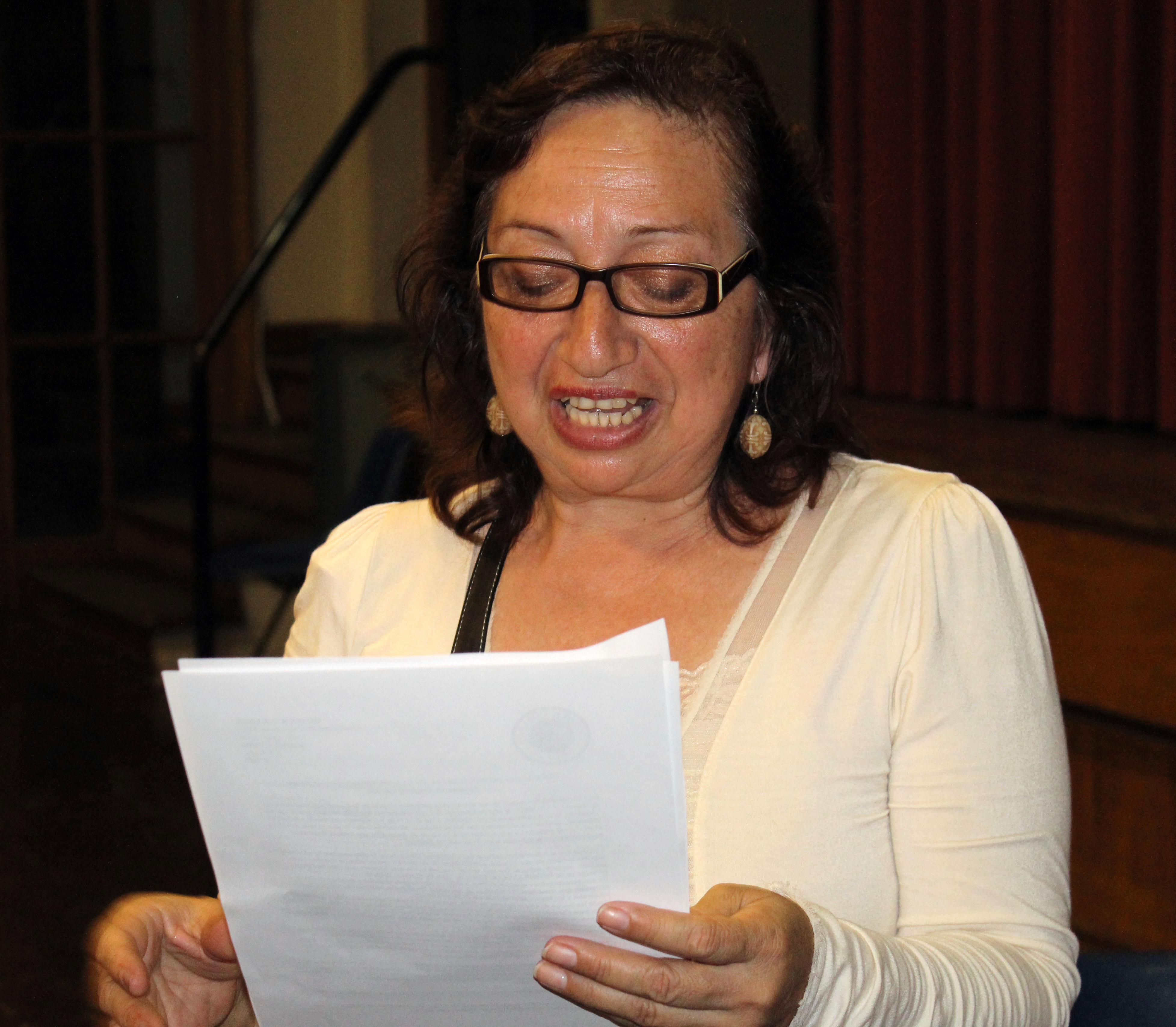 preparing for new sons and daughters sst goshen college marisel avalos mendocilla reads about her new host daughter natalie