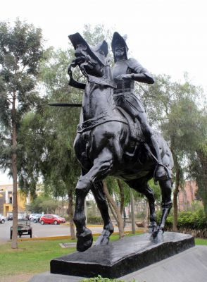 A large statue depicting a conquistador said to be Francisco Pizarro.