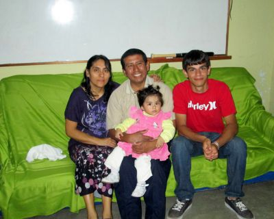 Armando and his host family in Chiclayo.