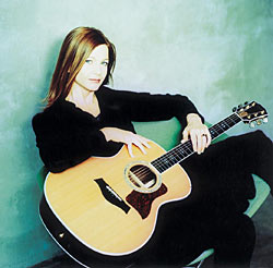 Carrie Newcomer returns to stomping  grounds for folk concert Jan. 28