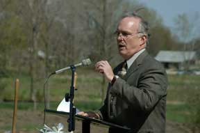 "Groundbreaking launches Merry Lea's ""green"" collegiate facility; Ceremony for Rieth Village focuses on ""ground healing"""