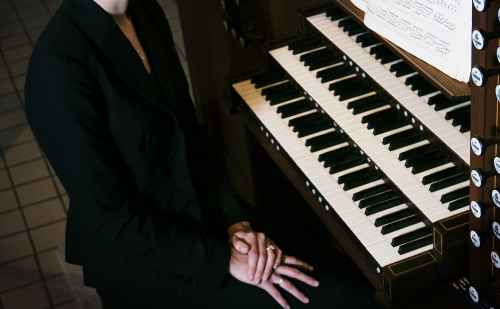 Organist Carrie Groenewold to open inaugural Rieth Chamber Series