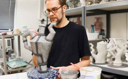 Clay artist Scott Dooley offers 2014 Eric Yake Kenagy Visiting Artist lecture