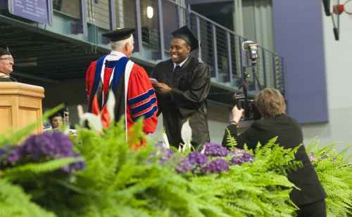 Goshen College class of 2014 celebrates graduation – The Elkhart Truth
