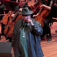 sir-mix-a-lot-performs-baby-got-back-with-seattle-symphony