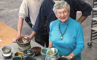 YOU SHOULD KNOW: Suzanne Bishop '43 has helped start two art guilds