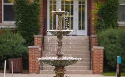Goshen College announces Dean's List for spring 2014-15