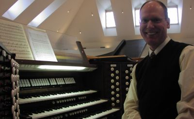 Organist Christopher Wallace to open 2015-16 Rieth Chamber Series