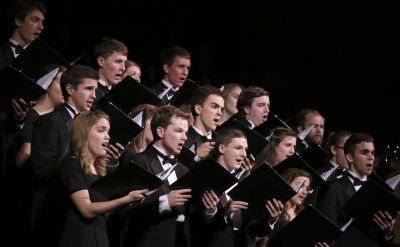 Goshen College Chamber Choir sing thanks on spring break tour