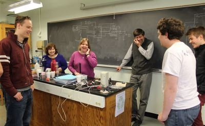 Goshen College students design gadget that will help blind people know when water is boiling – The Elkhart Truth