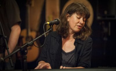 How Music Adds Emotion: Pittsburgh Songwriter Heather Kropf '94 On Creating An Album – WESA