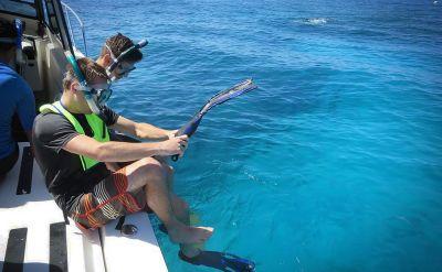 Students preparing to go snorkeling