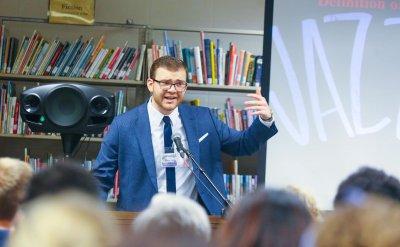 Rudi Mucaj presenting