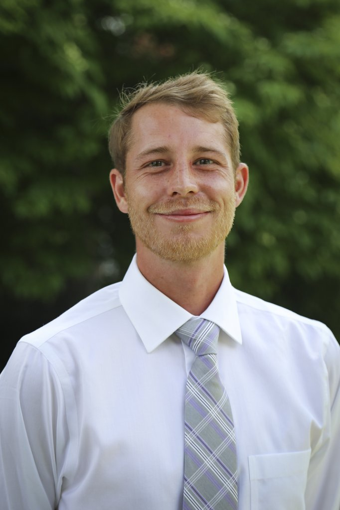 Headshot of Victor Newberg