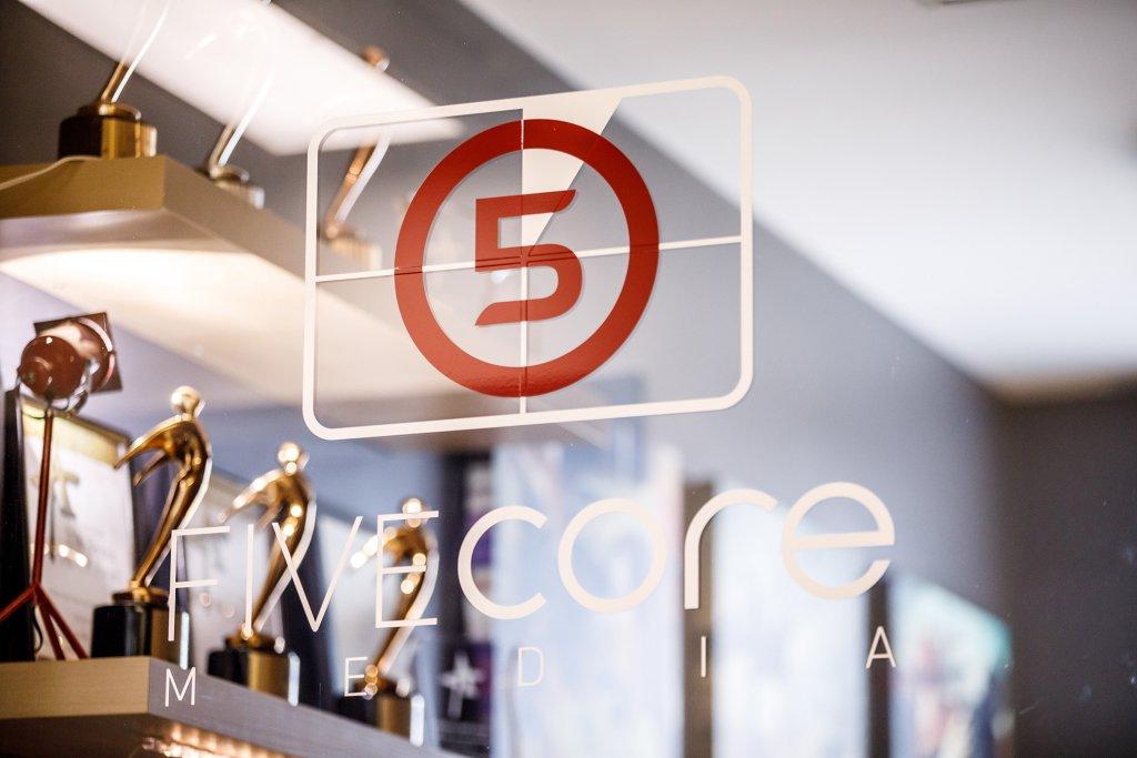 5 core Media logo